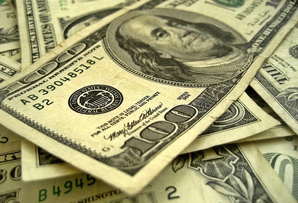 Hundred dollar bills.jpg